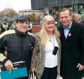 Abe Schwarz, Barbara & Tony Abbott 26 May 13